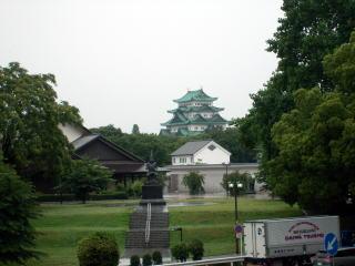 名古屋城と名古屋能楽堂